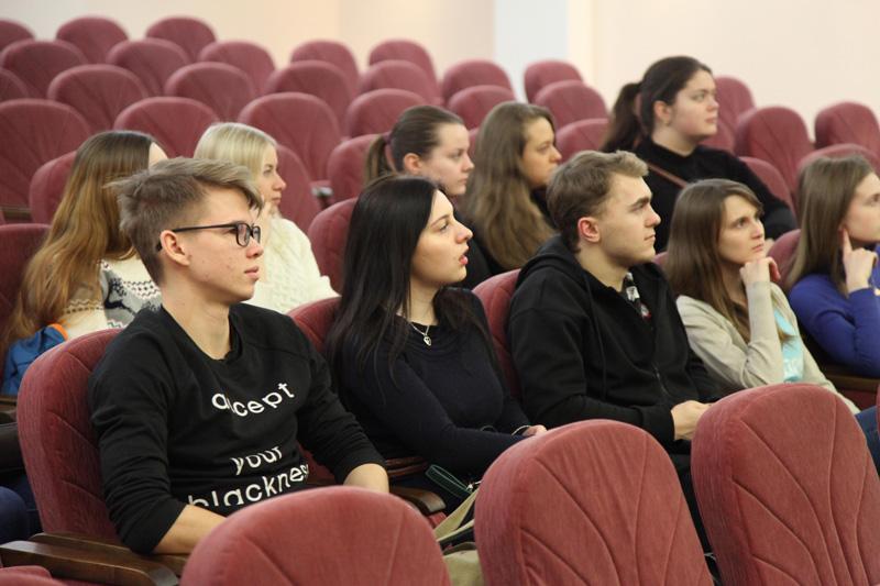 Студенты в суде